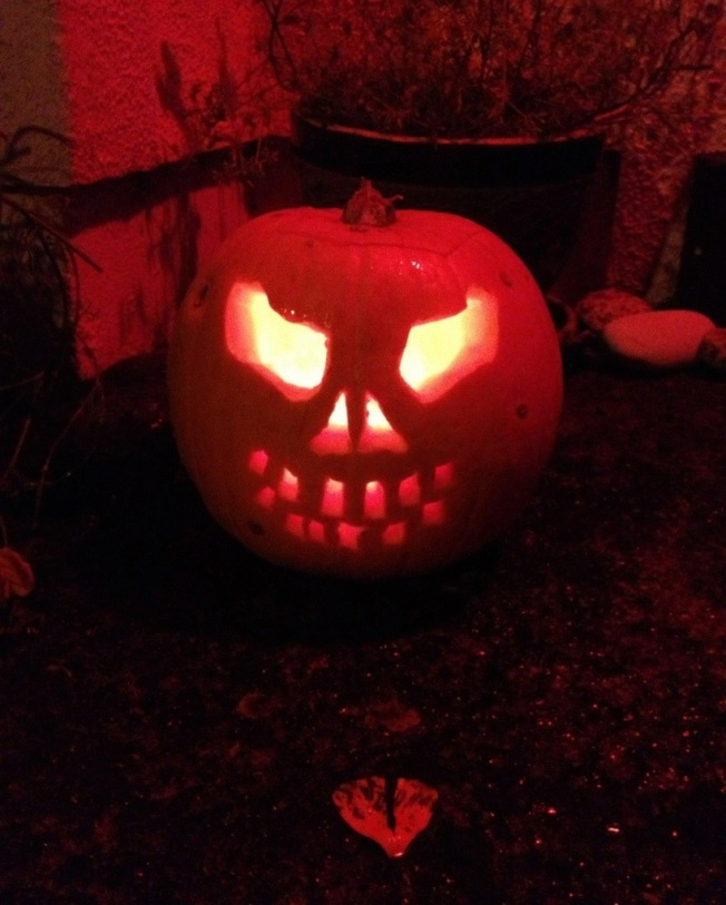 skull pumpkin.jpg